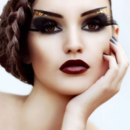 dark gold leaf makeup