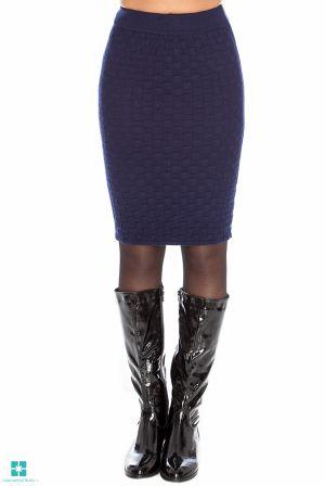 Fusta tricotata de culoare bleumarin, cu model din colectia Fuste scurte de la Cadou pentru Ea http://www.cadoupentruea.ro/produs-9575-fusta-tricotata-de-culoare-bleumarin-cu-model.html