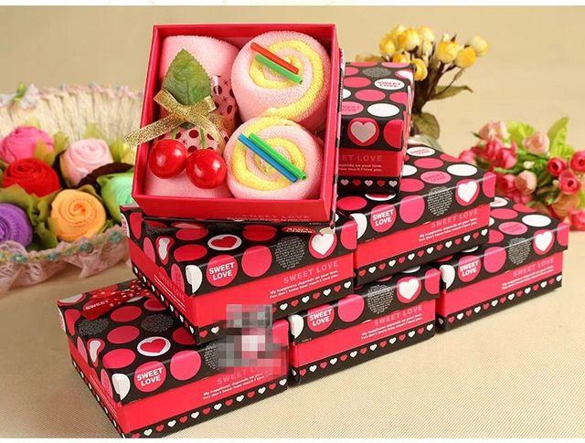 Envío gratis! toalla de la torta, regalo de la navidad toallas, 5 unids en caja, caja de regalo de boda, toalla de microfibra suave, toalla de mano 5 colores