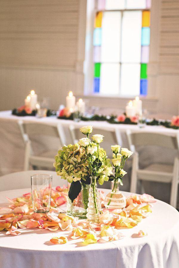 Rustic Austin Wedding with Romantic Details - MODwedding