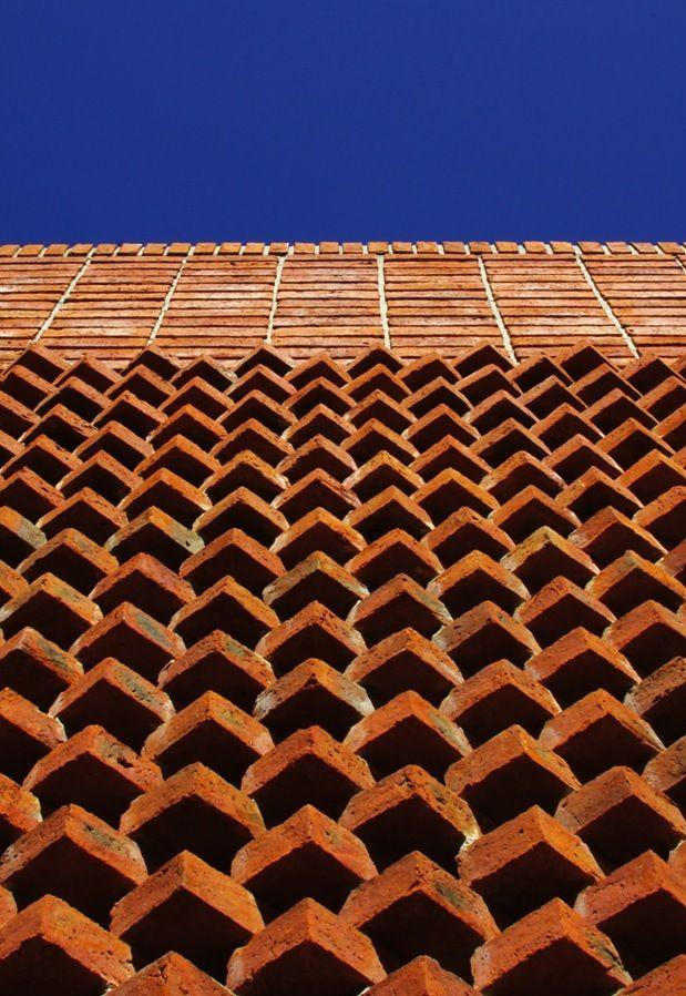 El poder estético del ladrillo: http://www.lookmaterial.com/store/es/119-ladrillos-cer%C3%A1micos-caravista