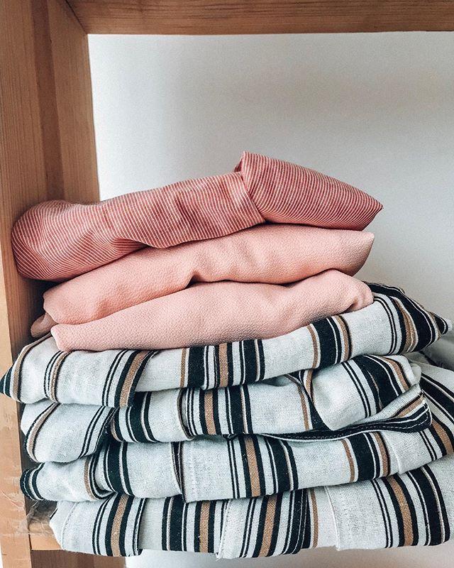 24a18262a sobre tecidos ~ listras ~ cores ~ que a gente ama 🖤