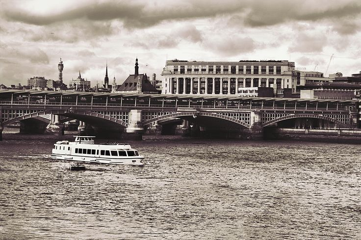 London 60's Style by Enea H. Medas  on 500px
