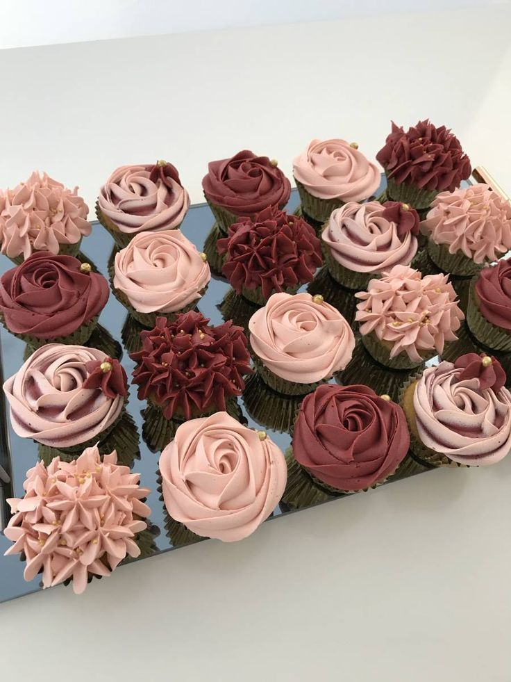 Cupcakes & Push Pops – Zuckerkuchen – Hochzeitstorte – #amp #Cupcakes #Hochzei …   – Torten