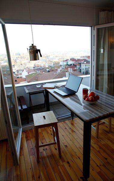 Meydan Architecture Design | Kasımpaşa Studio, Table with wheels and Marmara Marble top