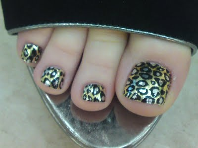 Looking forward to getting the usual animal print minx foils on my wee toes for holibobs later this month :-)