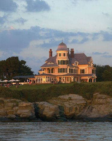 Castle Hill Inn | Newport, RI #CastleHillDreamWedding More