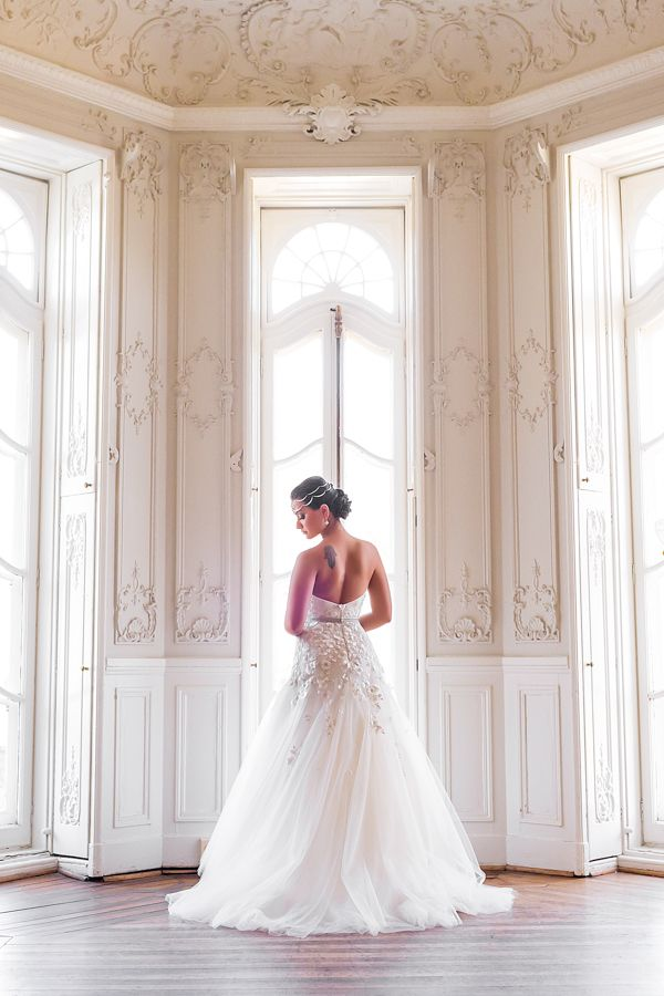 A Historic And Modern Baltimore Wedding - MODwedding