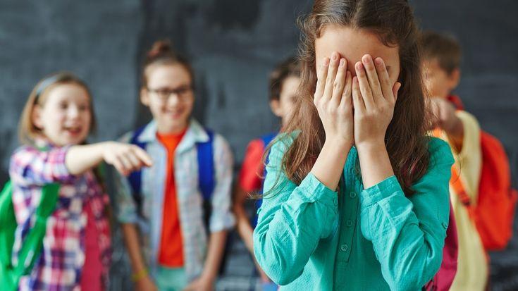 La experta en Bullying y Ciberbullying, María Zysman, nos brinda consejos sobre cómo luchar contra estos flagelos, y cómo modificar ciertas conductas que pueden dañar a niños y adolescentes