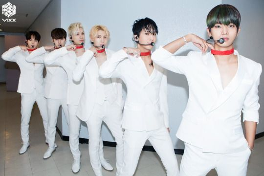 FY! VIXX chained up