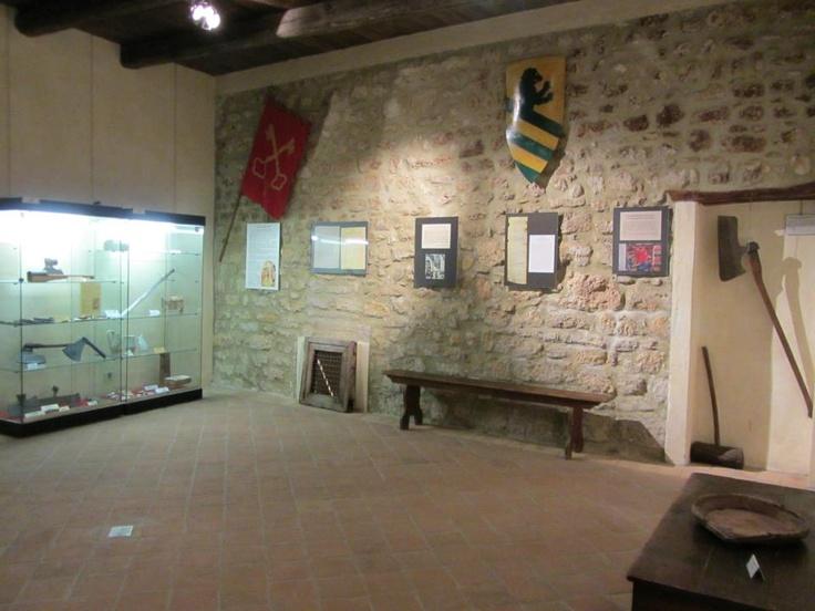 IL MUSEO DEL CASTELLO CONTIENE MOLTI TESORI