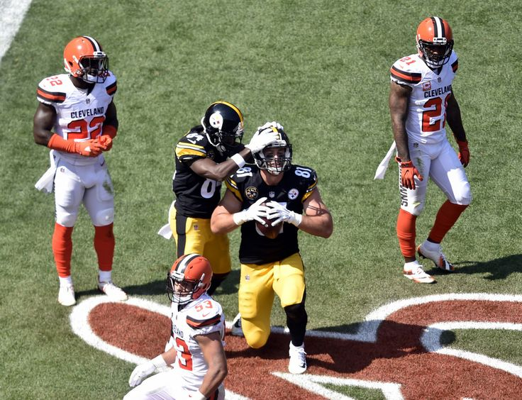 Jesse James: Pittsburgh Steelers tight end Jesse James (81) celebrates a touchdown against the Cleveland Browns during the first half of an NFL football game, Sunday, Sept. 10, 2017, in Cleveland.