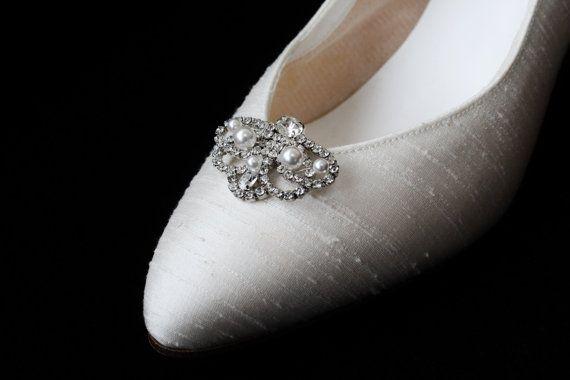 Diamante Shoe Clip,Vintage Style Shoe Clip, Wedding Shoe Clip, Bridal Shoe Clip, Pearl Shoe Clip,Shoe Clip Hand Made,With Swarovski Pearls