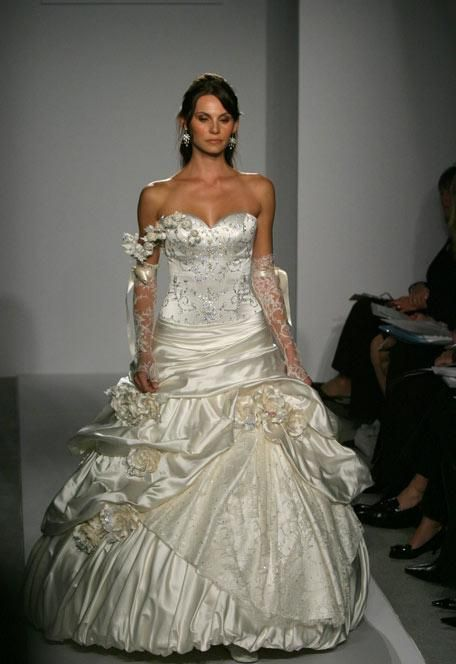 Plus Size Wedding Dresses Pnina Tornai : Pnina tornai exclusive kleinfeld designer