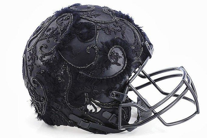 Дизайнеры превратили футбольные шлемы в предметы искусства. Изображение №3.