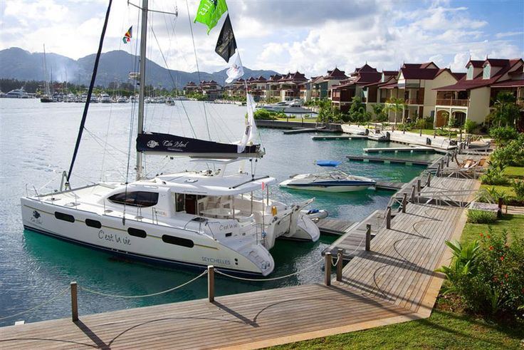 On Eden Island each home comes with its own private mooring! Care to dock your yacht in your back yard?