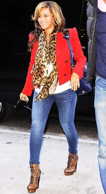 Beyonce in an animal print scarf #fashion