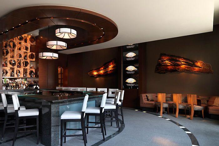 M Bar & Lounge