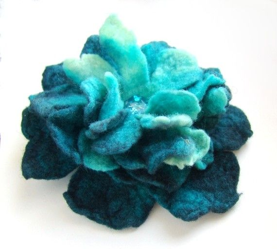 Tutorial for felted flower brooch