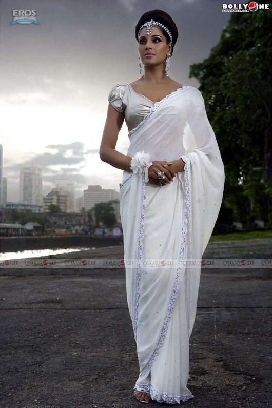 Bipasha Basu White Saree.
