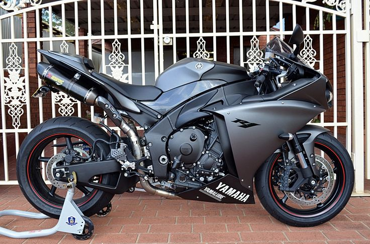 I've really been feeling the grey edition yamaha r1. Possibly my next bike.