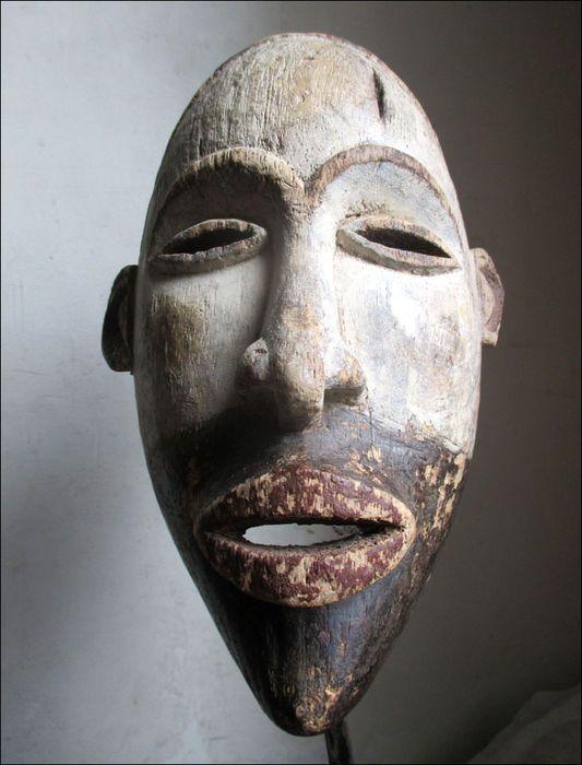 Maison de ventes aux enchères en ligne Catawiki: Ancien masque - BAKONGO - R.D. Congo (ex-Zaïre)