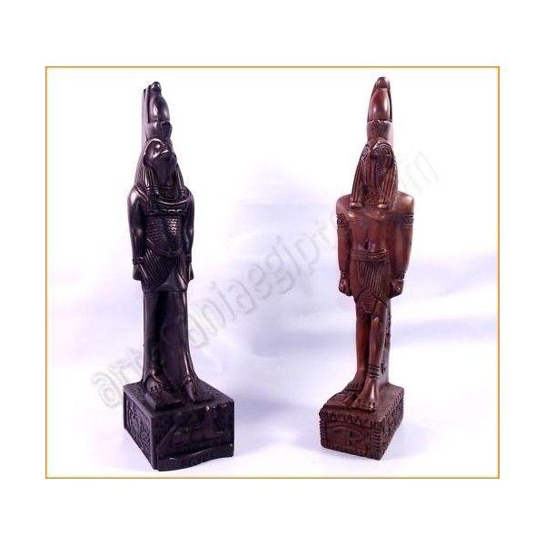 """Figura de artesanía del dios Horus, conocido en el Egipto Antiguo como """"el elevado"""". Se le considera el iniciador de la cultura egipcia. La base y el busto están tallados en resina sólida, mezclada con piedra. Realizada artesanalmente y cuidadosamente detallada por los artesanos egipcios. Altura aproximada 24cm. www.artesaniaegipto.com"""