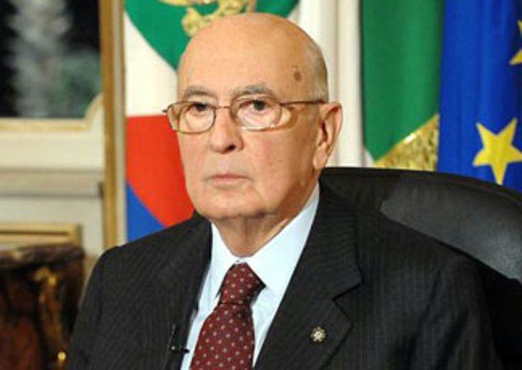 Parla Giorgio Napolitano a porta a porta. Solita informazione terroristica da parte dell'ex presidente della repubblica. Il non rimpianto