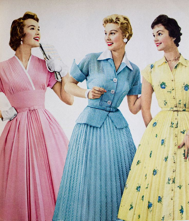 women s fashion in the 1950s Women's clothing women's clothes of the 1940s were typically modeled after the utility clothes produced during war rationing squared shoulders, narrow hips, and skirts that ended just below the knee were the height of fashion.