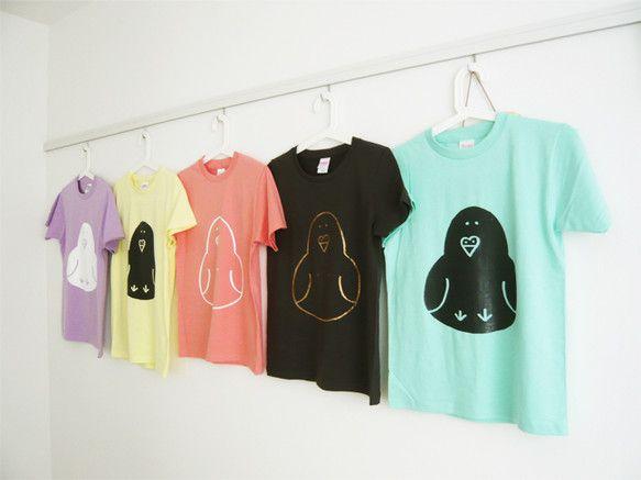 ハトチャンとひよこちゃん親子のTシャツです。ハトはシルクスクリーン、ひよこはインクジェット印刷になってます。|ハンドメイド、手作り、手仕事品の通販・販売・購入ならCreema。