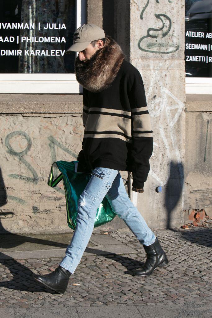 全身「黒」から脱却 カラフルなアウター目立つ2017-18年秋冬ベルリン・ファッション・ウイーク   WWD JAPAN.com