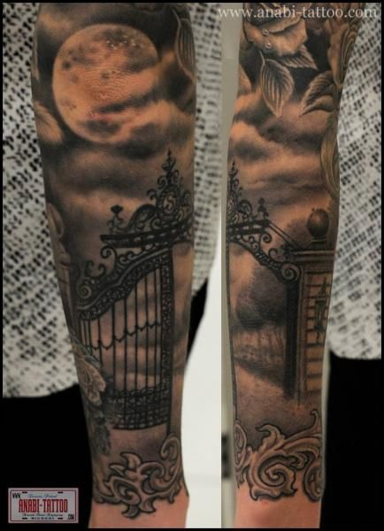 Arm Tor Mond Tattoo von Anabi Tattoo