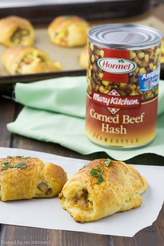 This recipe for Corned Beef Hash Breakfast Roll-Ups is easy to whip up and perfect for a weekend breakfast.