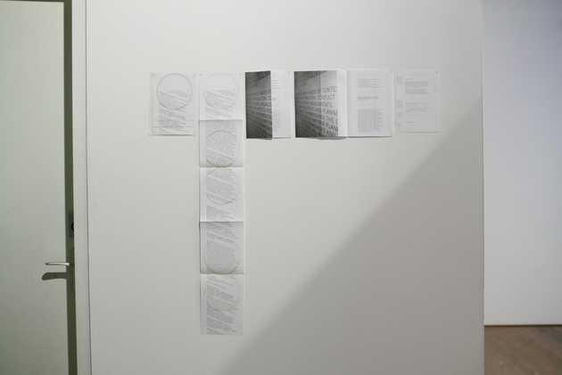 Corine Datema, huisstijl tentoonstelling De stedelijke conditie / The Urban Condition (2006). © Jordi Huisman, Museum De Paviljoens