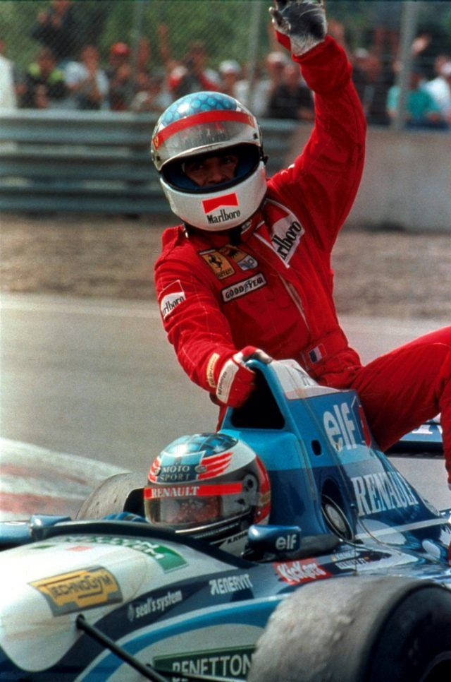 Jean Alesi hitches a ride with Michael Schumacher, 1995