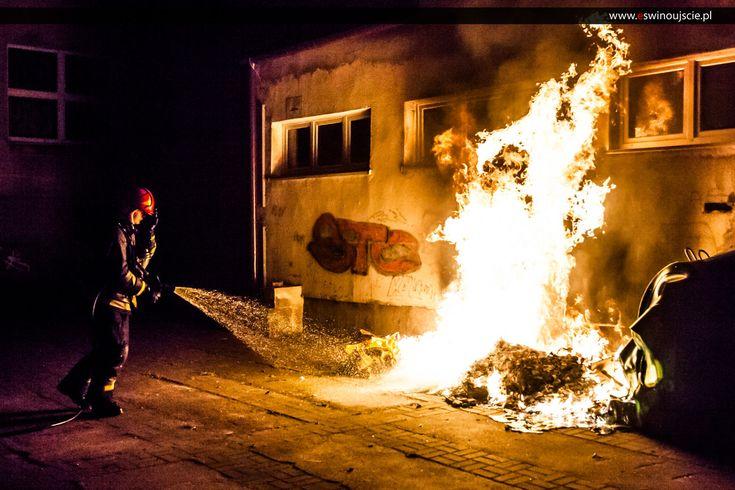 Podpalacz grasuje w Świnoujściu ?? – trzy pożary w jednym czasie – FOTO – VIDEO   Świnoujście w sieci