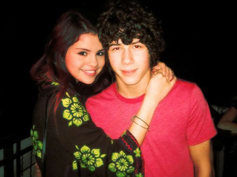 Selena Gomez Denies Dating Nick Jonas; Gets Serious With Ed Sheeran? - http://www.movienewsguide.com/selena-gomez-denies-dating-nick-jonas-gets-serious-with-ed-sheeran/73805