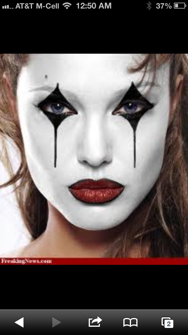 I Want To Be A Mime With My Face Half Black And Half White With A White Diamond On The Black And A Black Diamond On The White Halloween Pinterest