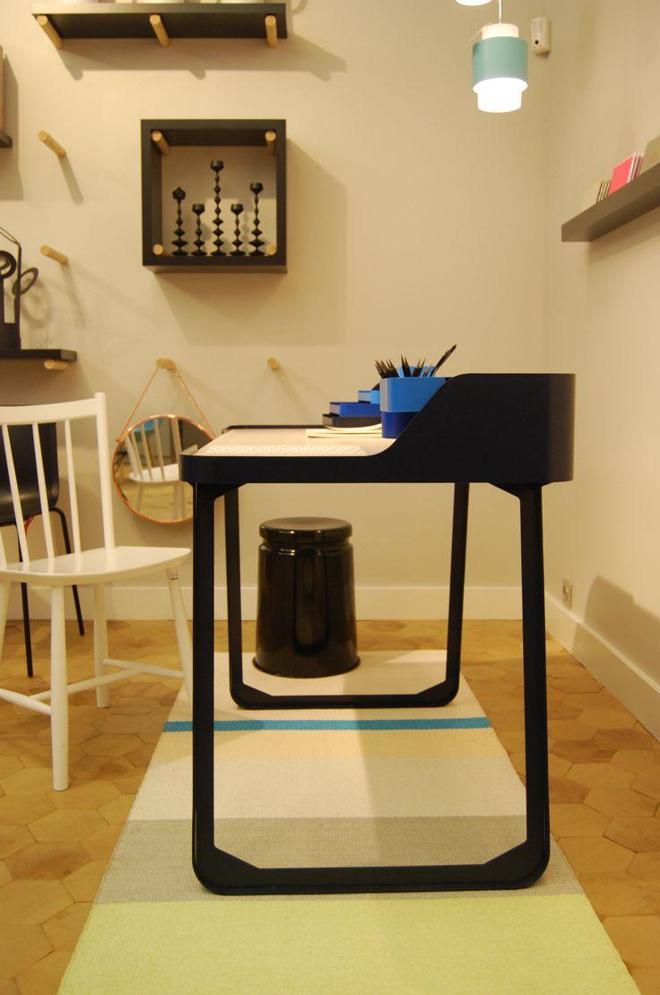 Maison M Paris | Prototype 7 Bis Repetita, designer C. de Moulins | Polit, 2013 | http://www.polit.fr/polit-un-éditeur-français.html | Exposition prolongée jusqu'au 4 novembre 2013