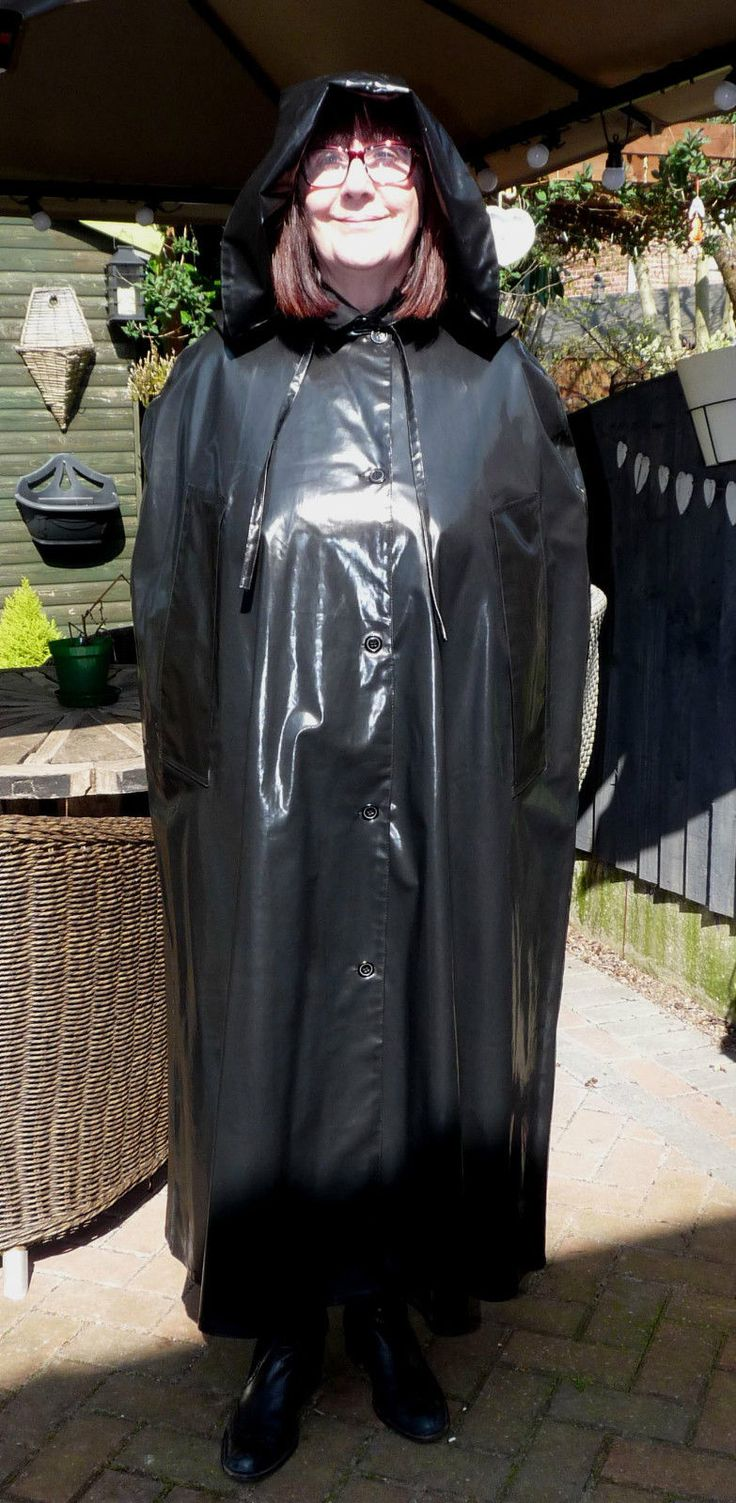 my SBR shiny black rubber hooded raincoat cape fetish mackintosh LOOK at this in Kleidung & Accessoires, Damenmode, Kleider | eBay!