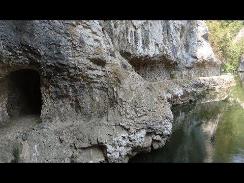 Traseu in Cheile Nerei: Camping Valea Beiului - Canton Damian - Carsiile Dese - Lacul Dracului - YouTube