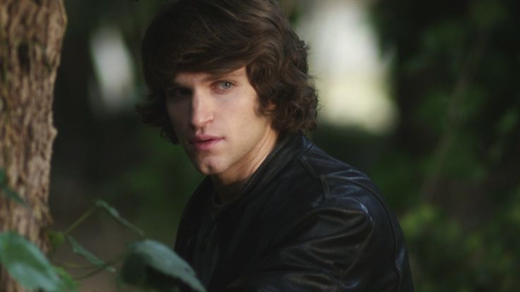 Toby Cavanaugh Pretty Little Liars Season 1 Episode 10 Keep Your Friends Close