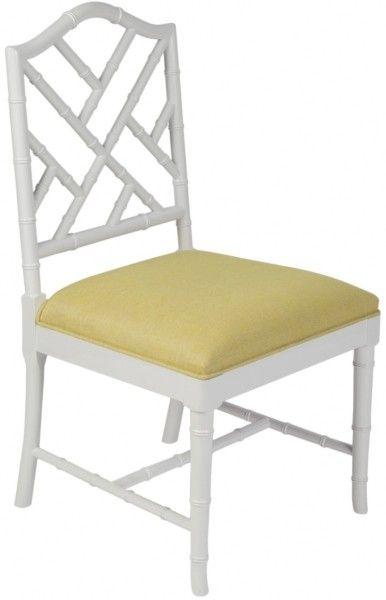Размер (Ш*В*Г): 55*98*55 Этот белоснежный стул прекрасно вольется в светлую классическую кухню, а бирюзовая обивка сидения нежно оживит пространство. Не вычурный, но изысканный, Ladies Turquoise будет прекрасно сочетаться с любым декором.             Метки: Кухонные стулья.              Материал: Ткань, Дерево.              Бренд: MHLIVING.              Стили: Классика и неоклассика, Прованс и кантри.              Цвета: Белый, Желтый, Лимонный.