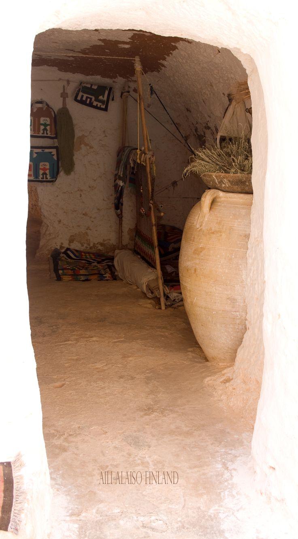 The cave dwelling in Matmata Luola-asunto Matmatassa,Tunisia Photo Aili Alaiso Finland