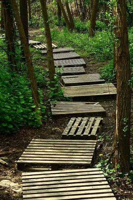 DIY old Pallets Garden Path Backyard ideas