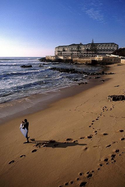 Praia do Sul, ERICEIRA, Portugal. http://en.wikipedia.org/wiki/Ericeira | Photo: © 2008 Miguel Valle de Figueiredo @ Flickr. http://www.flickr.com/photos/miguelvf/2399098280