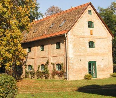 Exterior - The Bat Barn Luxury Villa at Lake Balaton