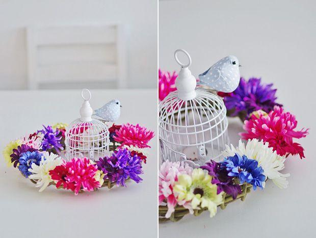 simple idea - wreath , artificial flowers, DIY http://tytuurzadzisz.pl/wiosenny-wianek/