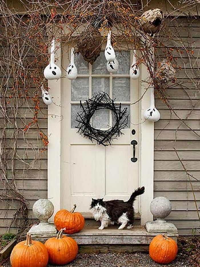 30+ Fabulously Spooky Outdoor Halloween Decorating Ideas Holiday