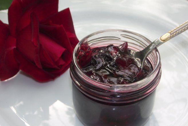 Retete Culinare - Dulceata din petale de trandafir